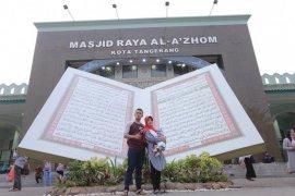 Al Quran Raksasa ditampilkan pada Festival Al Azhom