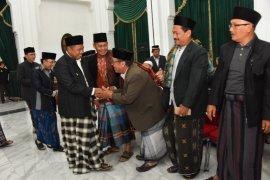 Wagub Jawa Barat lantik pengurus masjid milik pemrov