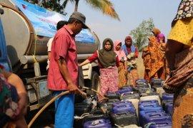 Hadapi musim kemarau, PT KS distribusikan  85.000 liter air bersih untuk warga Cilegon