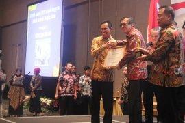 Pemkot Ambon raih penghargaan JDIHN terbaik harapan I 2019