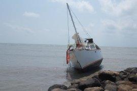Kapal tidak berawak ditemukan di perairan Lampung Timur Page 1 Small