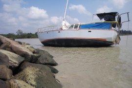 Kapal tidak berawak ditemukan di perairan Lampung Timur Page 2 Small
