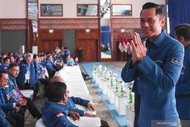 Ketua Kogasma Demokrat Agus Harimurti Yudhoyono kutuk keras penyerangan terhadap Wiranto
