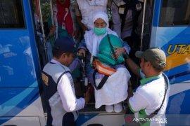 Jamaah haji Sulteng tiba di tanah air Page 1 Small