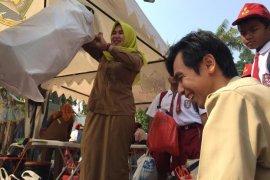 SIswa belajar mengelola sampah di Festival Al Azhom