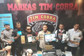"Tim Cobra Polres Lumajang bongkar bisnis ""money games"" Q-Net"