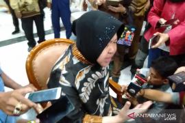 Risma tanggapi macetnya distribusi air PDAM terdampak proyek Alun-Alun Surabaya