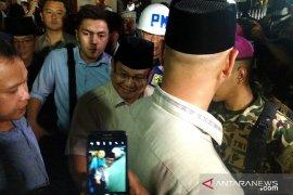 Prabowo Subianto melayat di rumah duka BJ Habibie