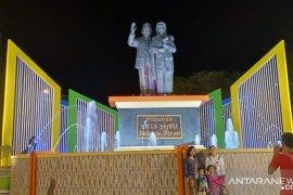 Monumen Habibie-Ainun di Pare Pare, kota kelahiran sang teknokrat