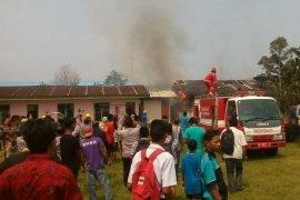 Gedung Sanggar Kegiatan Belajar Dinas Pendidikan Simalungun terbakar