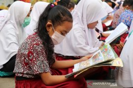 SDN 131 Kota Jambi  dilengkapi pojok baca di ruang kelas