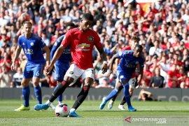MU cetak gol penalti dan kalahkan Leicester 1-0