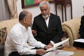 Xanana menyampaikan dua surat kepada keluarga BJ Habibie