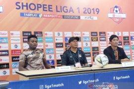 Sepak bola, pelatih Tira Persikabo minta suporter lebih tertib