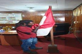 Anggota KKB anak buah Puron Wenda menyerahkan diri ke Polres Puja