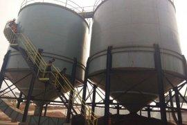 Dua buruh tewas dalam tangki kernel sawit