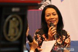 Dewi Lestari  digandeng BI Jember untuk galakan gerakan literasi