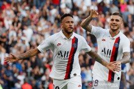 Neymar kembali berseragam PSG dan cetak gol salto