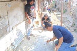 Tim ahli dan Disparbud selamatkan nisan tinggalan Belanda di Indramayu