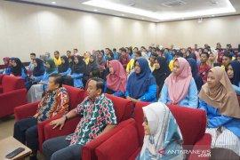 Penerima beasiswa CD PT RAPP mengikuti gathering dan motivasi