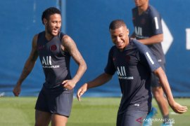 PSG tanpa Neymar dan Mbappe hadapi Madrid