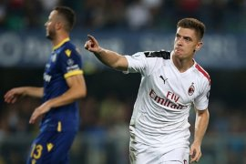 Milan butuh penalti tundukkan 10 pemain Verona