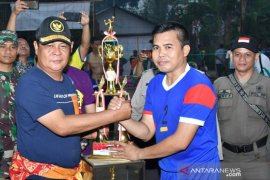 Tim Nasdem HST menangi final Turnamen Volly Telaga Langsat Cup
