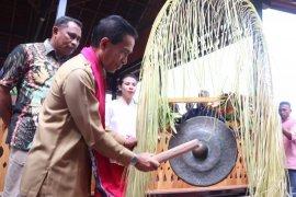 Pembangunan baileo Rutong lestarikan nilai kearifan lokal