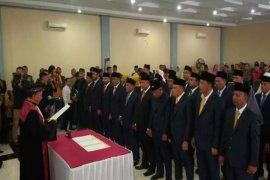Ketua Pengadilan Binjai ambil sumpah dan janji 30 DPRD terpilih