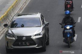 Sebanyak 1.100 mobil mewah tunggak pajak di Jakarta