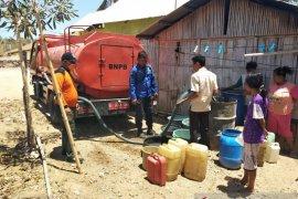 Pemkab Gorontalo terus salurkan bantuan air bersih ke warga