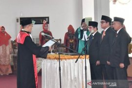 Pimpinan definitif DPRD HSS resmi dilantik