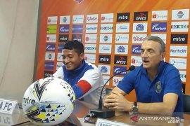Alex dos Santos  disiapkan Persela  hadapi Arema FC