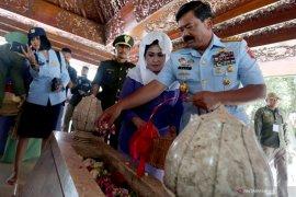 Panglima TNI berziarah ke makam Presiden Soekarno