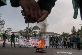 Aksi Evaluasi Setahun Pemerintahan Ridwan kamil
