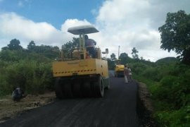 Samosir komit perbaiki infrastruktur jalan