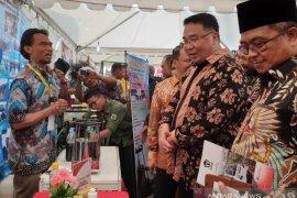 Plt Gubernur Aceh raih penghargaan dari Menteri Desa di Bengkulu