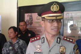 Seorang kades dan empat warganya diciduk polisi saat judi online