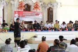 Bupati Badung serahkan bantuan bedah rumah di Kabupaten Klungkung