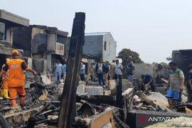Kebakaran di  Kembangan, Jakarta akibatkan puluhan rumah ludes dilalap api