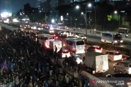 Aksi mahasiswa tolak RKUHP berlanjut di DPR Senayan