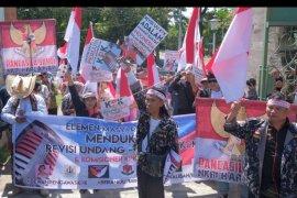 Aksi mendukung revisi UU KPK