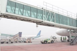 Penerbangan di Bandara Kualanamu terganggu akibat asap