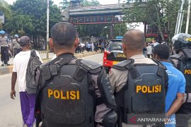 Aparat-mahasiswa negosiasi, blokade Jalan Abepura-Padang Bulan Jayapura dibuka