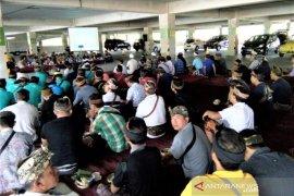 "Desa adat Padangtegal-Ubud sosialisasikan ""sentral parkir"" Monkey Forest bagi sopir travel"