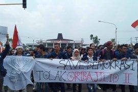 11 anggota dewan provinsi Bengkulu setujui tuntutan mahasiswa