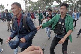 Rektor UNIB tidak melarang mahasiswa demo