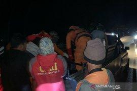 Petugas SAR temukan jasad korban kapal terbalik di perairan Garut