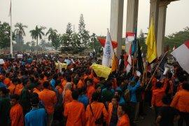 Ribuan mahasiswa Jambi unjuk rasa tolak RUU KPK