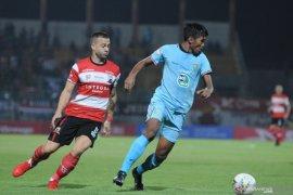 Hadapi Bhayangkara FC, Persela punya misi khusus